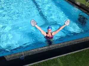 Frank Gruner - Meine Frau pflügt mit Paddles durchs Wasser