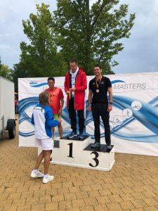 Frank Gruner - Siegerehrung über 100m Freistil bei den Deutschen Meisterschaften der Masters in Braunschweig